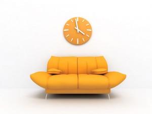 Canapé orange pour une supervision de coachs